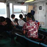 姫路港から船に乗って島へ