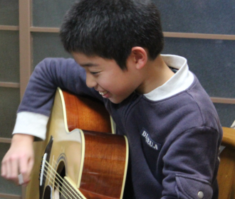 アコースティックギターレッスン風景1