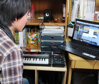 コンピューターミュージックレッスン風景1
